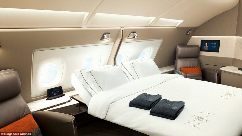 45EFBF6F00000578-5043369-Singapore_Airlines_is_introducing_luxurious_double_beds_in_its_s-a-73_1509635236845