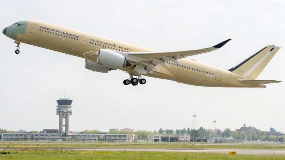 http---cdn.cnn.com-cnnnext-dam-assets-180424124644-a350-900-ulr-singapore-airlines-take-off-